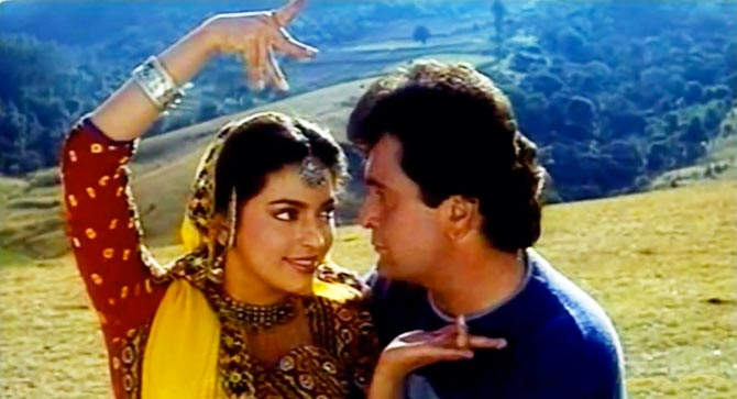 Flashback fridays when aamir khan and juhi chawla s for Chintu khan