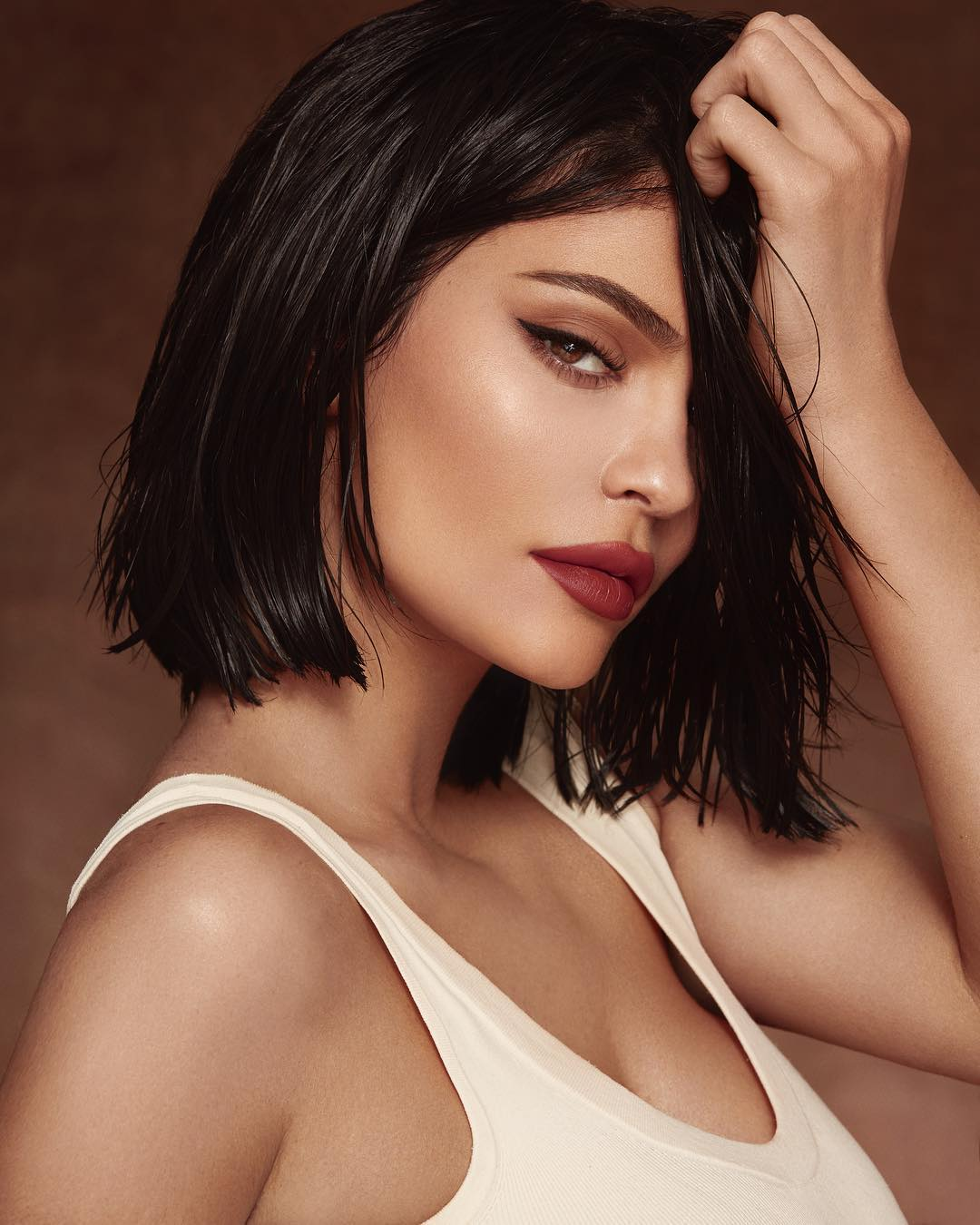 Kylie Jenner sells a majority stake of her beauty company to Coty for this WHOPPING amount