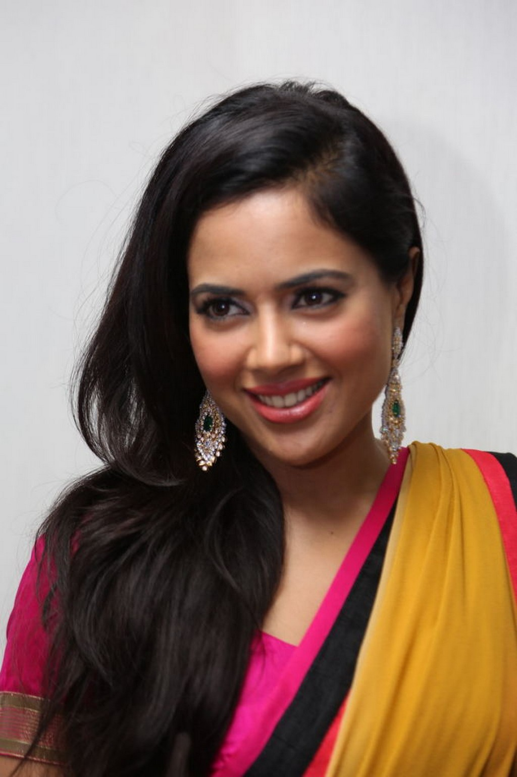 Sameera Reddy : Biography, Age, Height, Images, Facts & Life Story...World Super Star Bio