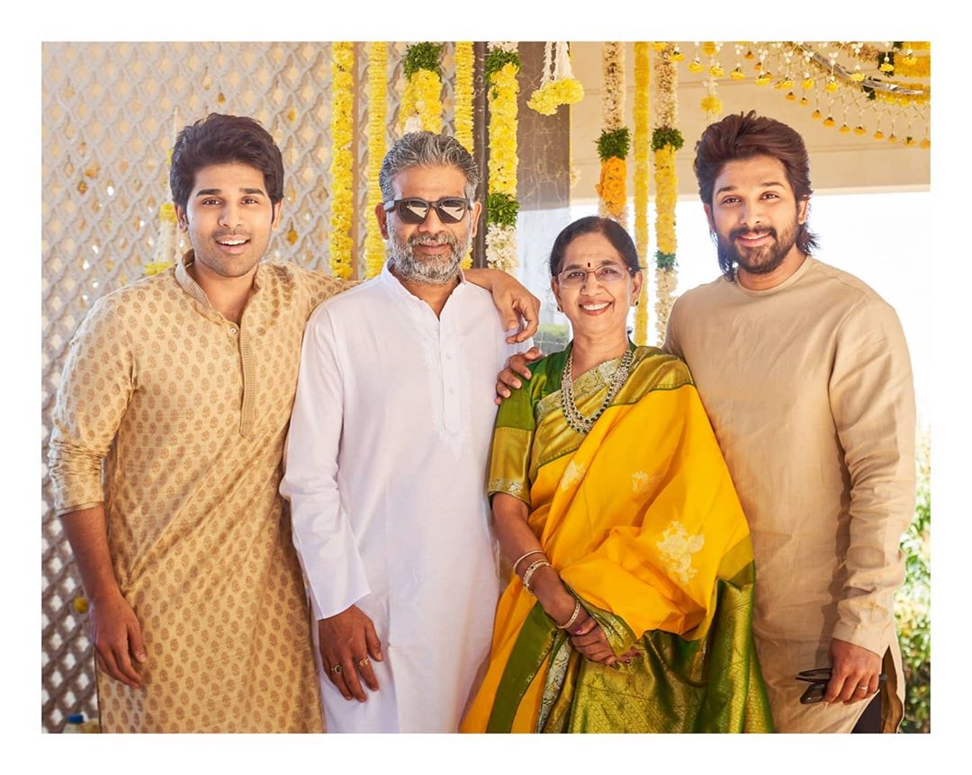 Allu Arjun shares a picture perfect moment with his mother Nirmala and brothers Allu Sirish and Allu Venkatesh