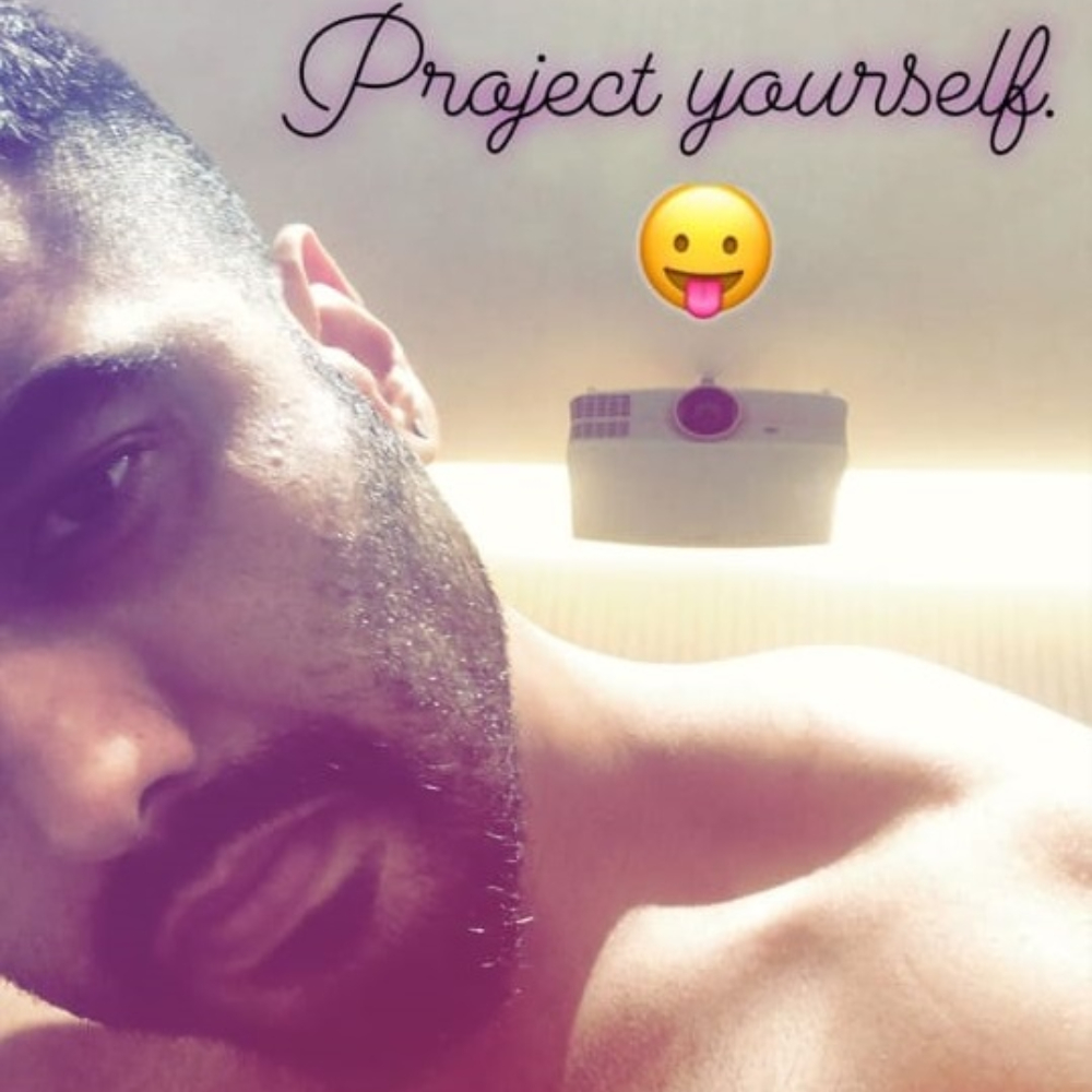 Arjun Kapoor shares a shirtless drool worthy picture raising the temperature on internet