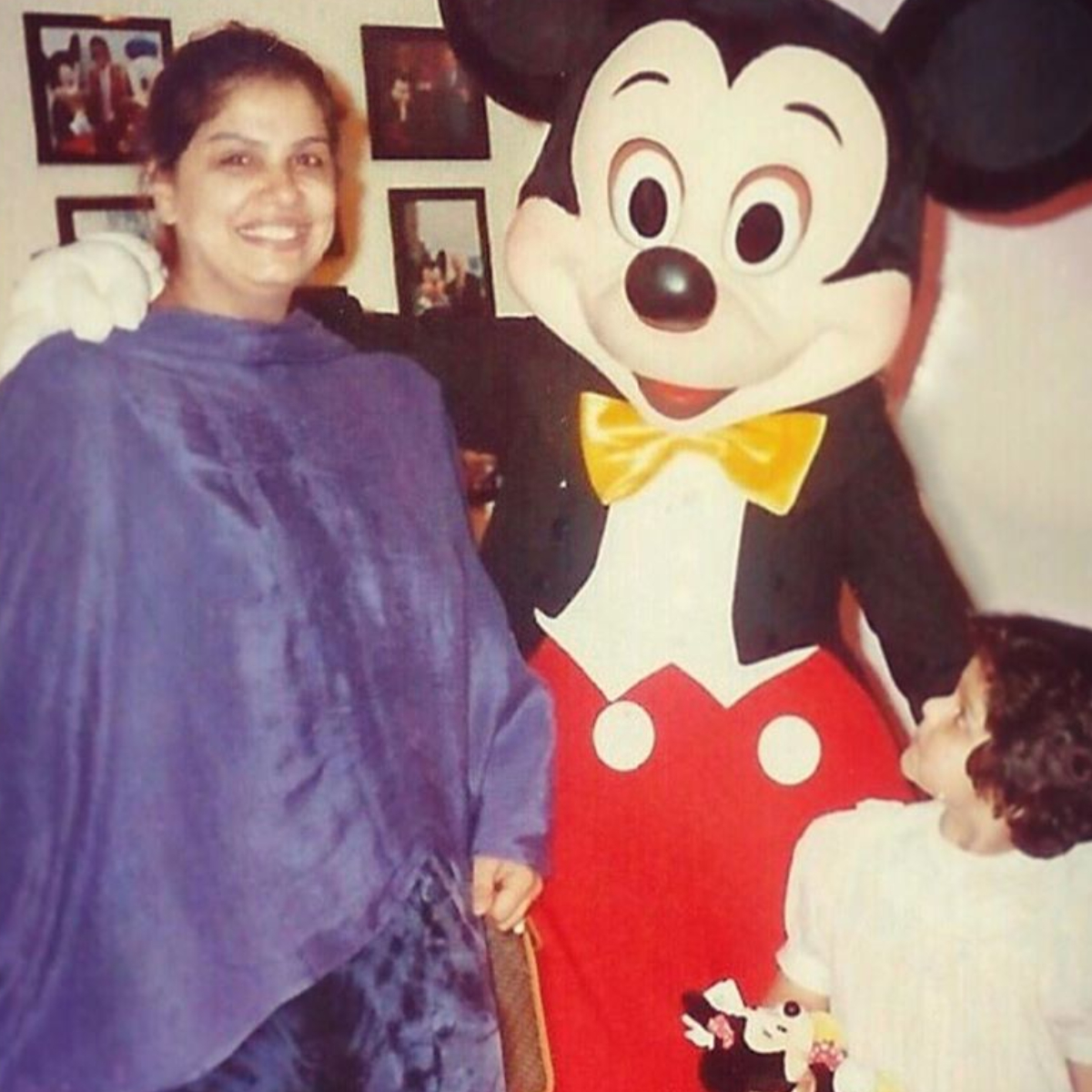 Arjun Kapoor's sister Anshula shares an adorable throwback picture with mom Mona Kapoor; Says 'Miss you Ma'