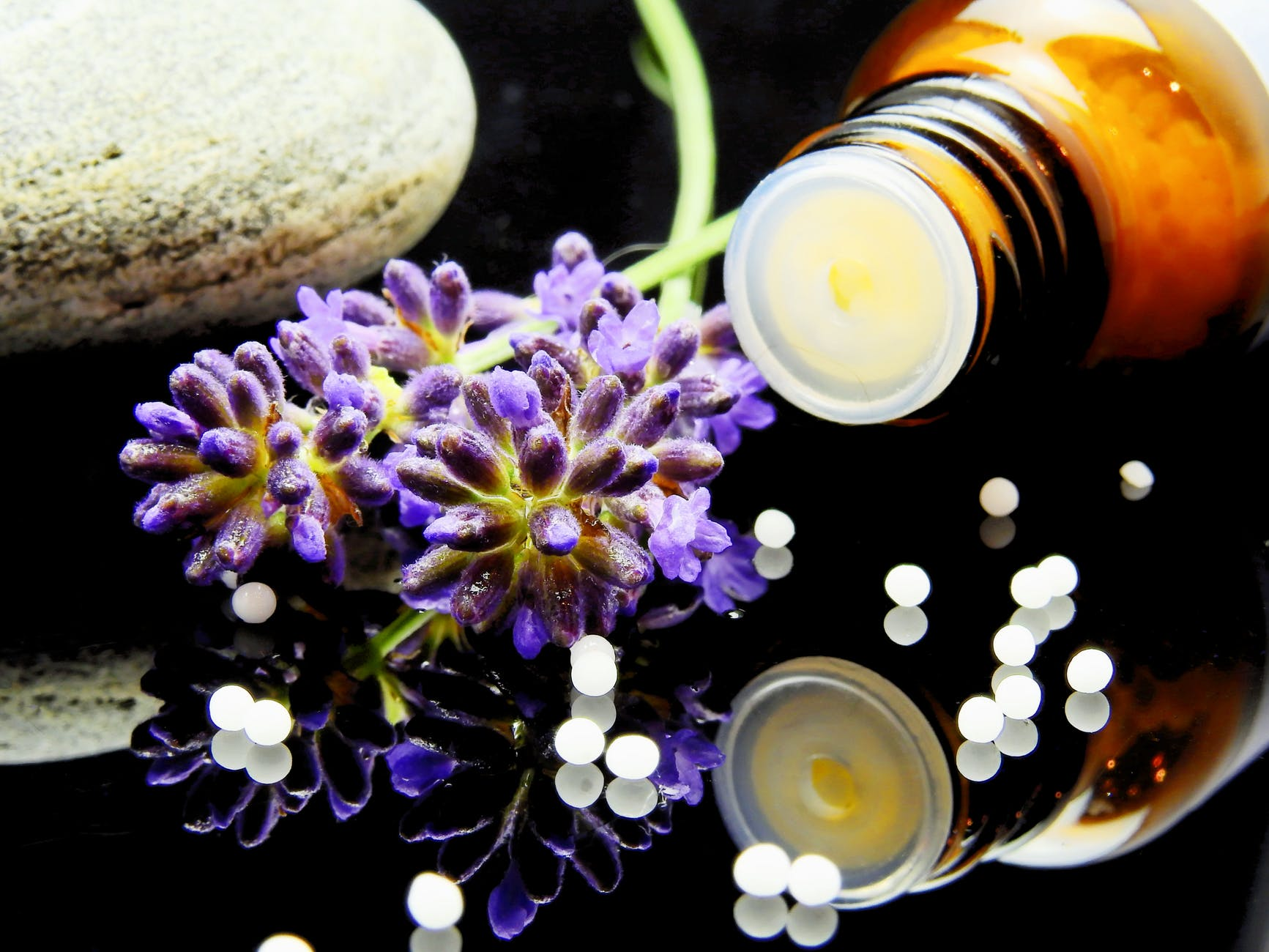 Eager to try out Aromatherapy? THESE are the side effects you should beware of