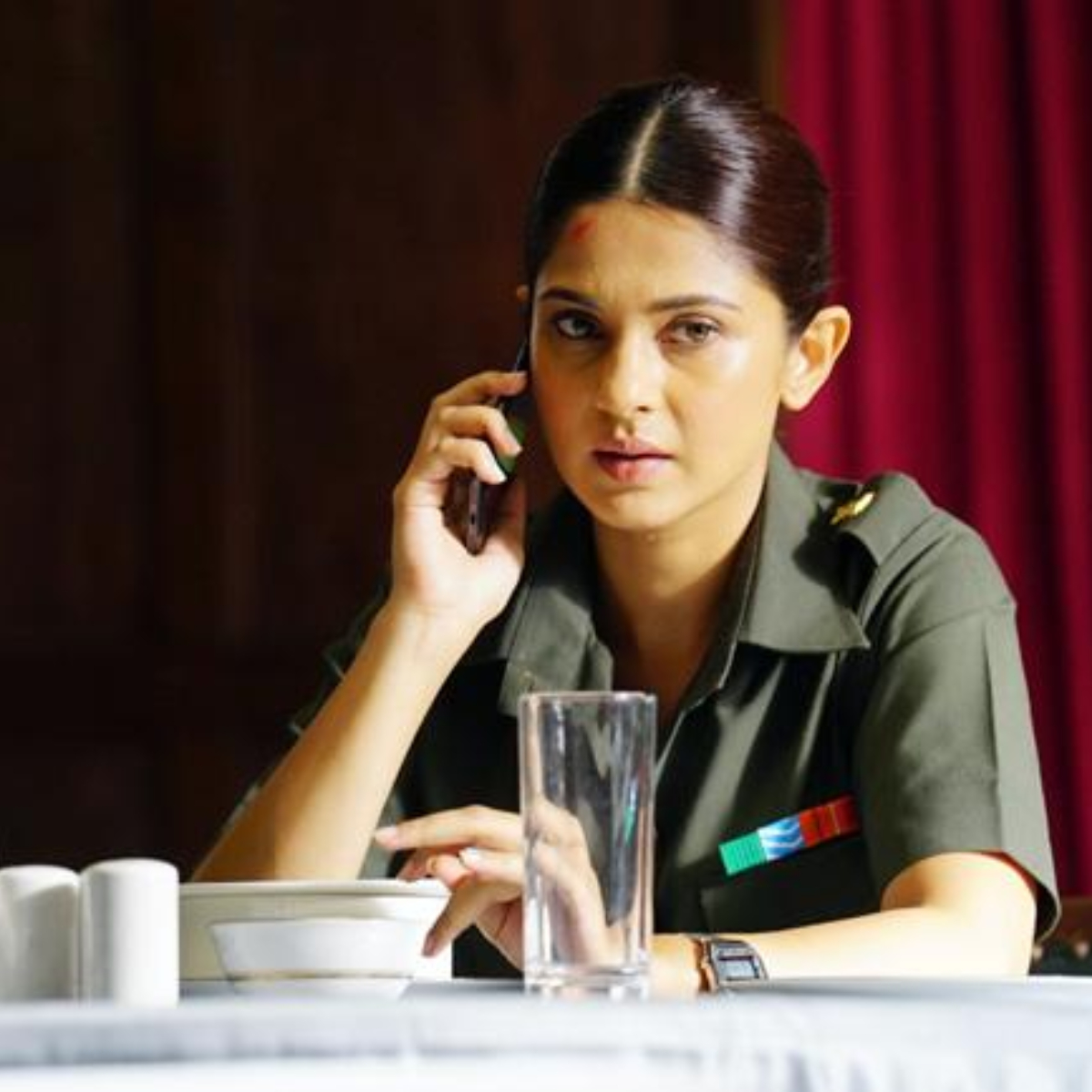 https://www.pinkvilla.com/files/beyhadh_2_actress_jennifer_winget_dons_a_fauji_look_in_code_m_as_she_tries_to_expose_a_ugly_secret_watch.jpg