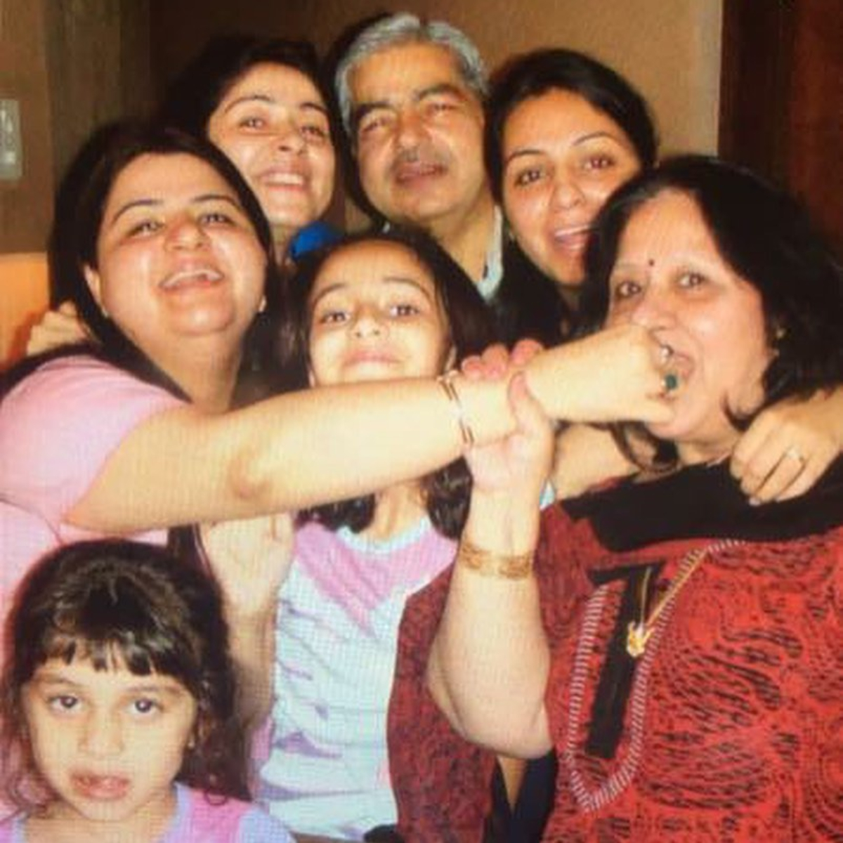 Mother's Day 2020: Bhavana Panday shares a throwback VIDEO of Ananya & Rhea Panday; Also wishes her mom