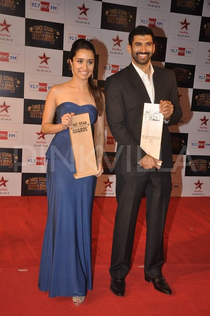 shraddha kapoor and aditya roy kapoor dating Mumbai: ever since shraddha kapoor and aditya roy kapur mesmerized audiences with their sizzling chemistry in their film 'aashiqui 2', b-town was to be believe, aditya has found love in international celebrity makeup and hair artist mariannna mukunchyan and the two have been dating for about six.