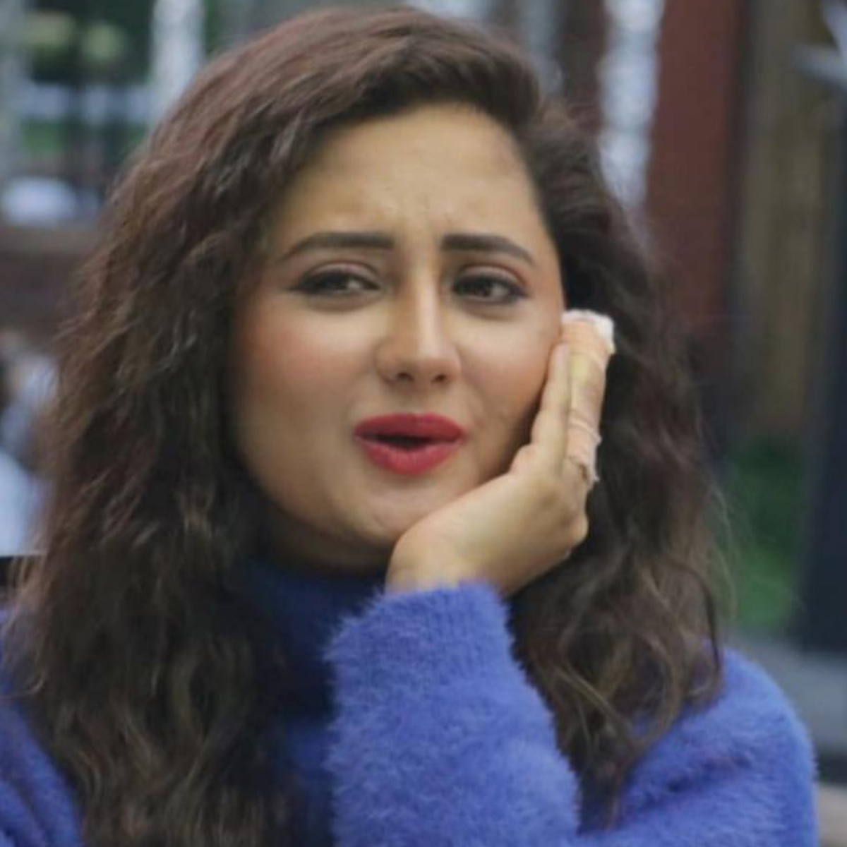 Bigg Boss 13: Rashami Desai gets immense support from fans as they trend 'Queen Of Hearts Rashami' on Twitter