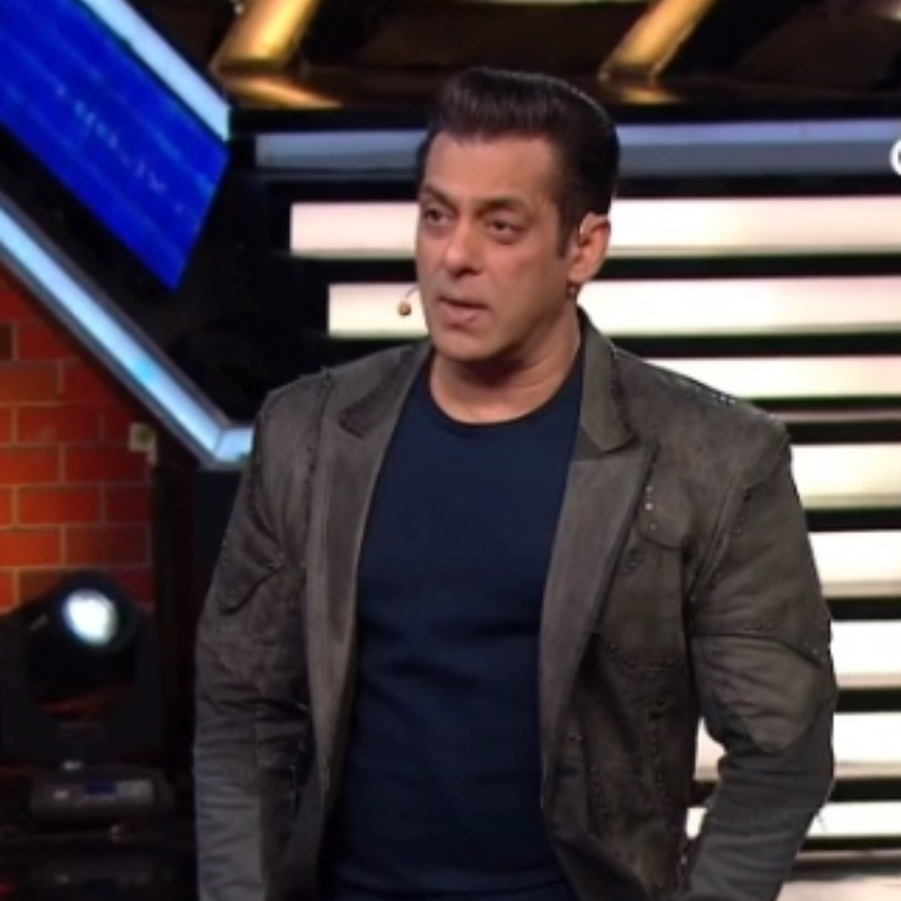 Bigg Boss 13 PREVIEW: Salman Khan lashes out at Paras for raising his voice; spills the beans about Akanksha