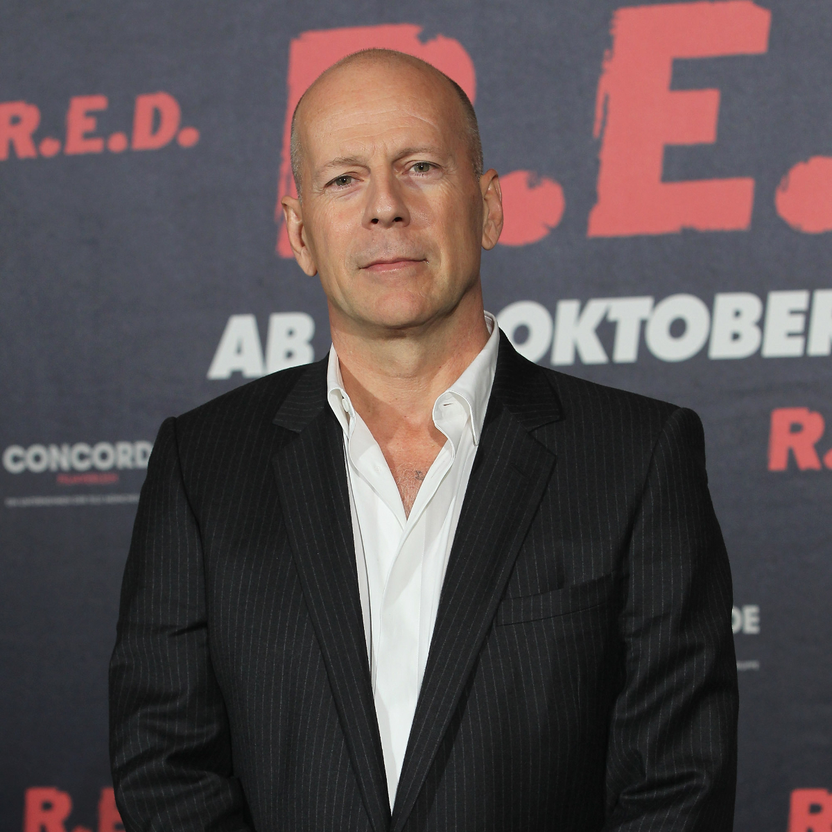 Bruce Willis gets kicked out of LA pharmacy for not wearing a mask