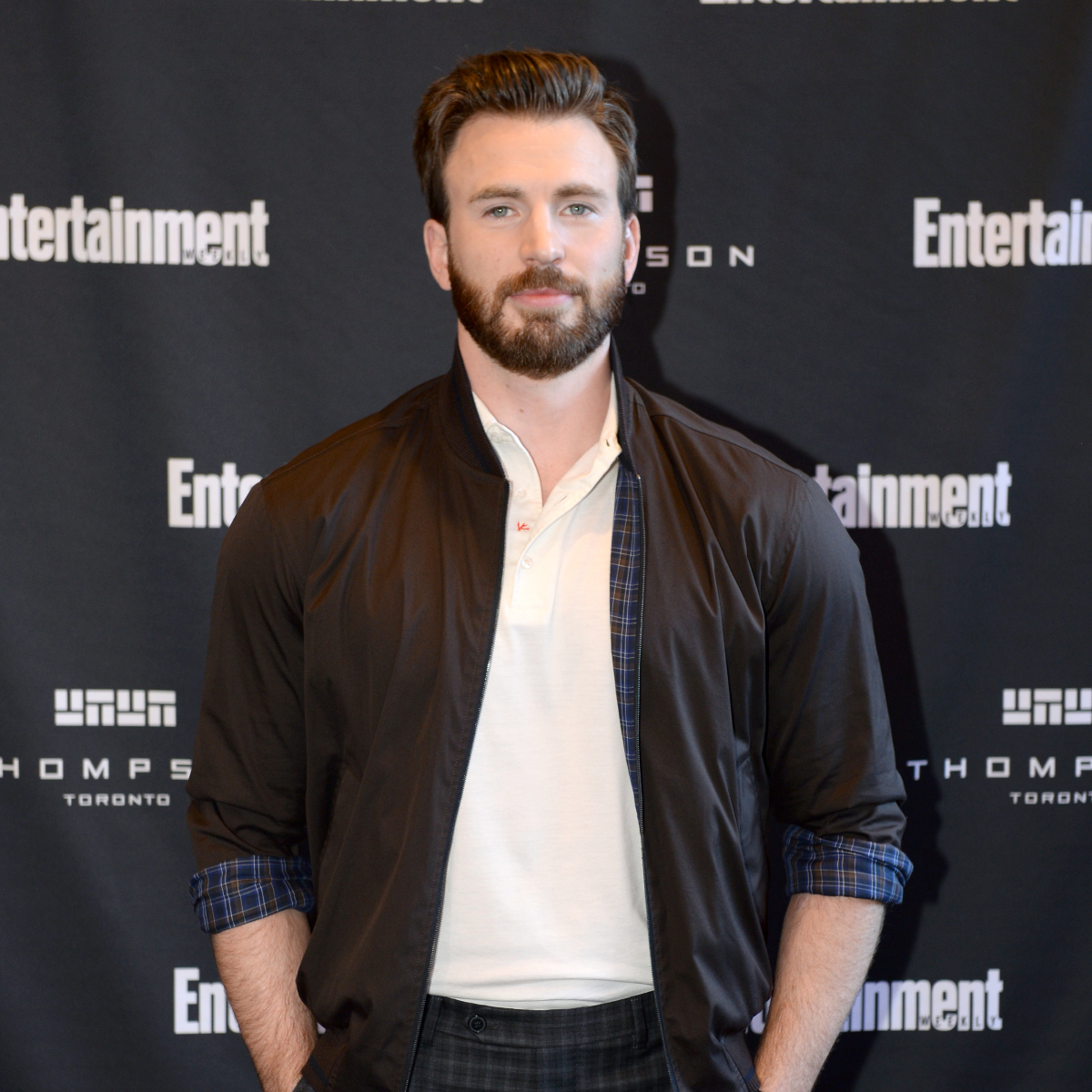 Chris Evans HINTS that he is ready for fatherhood; Deets inside