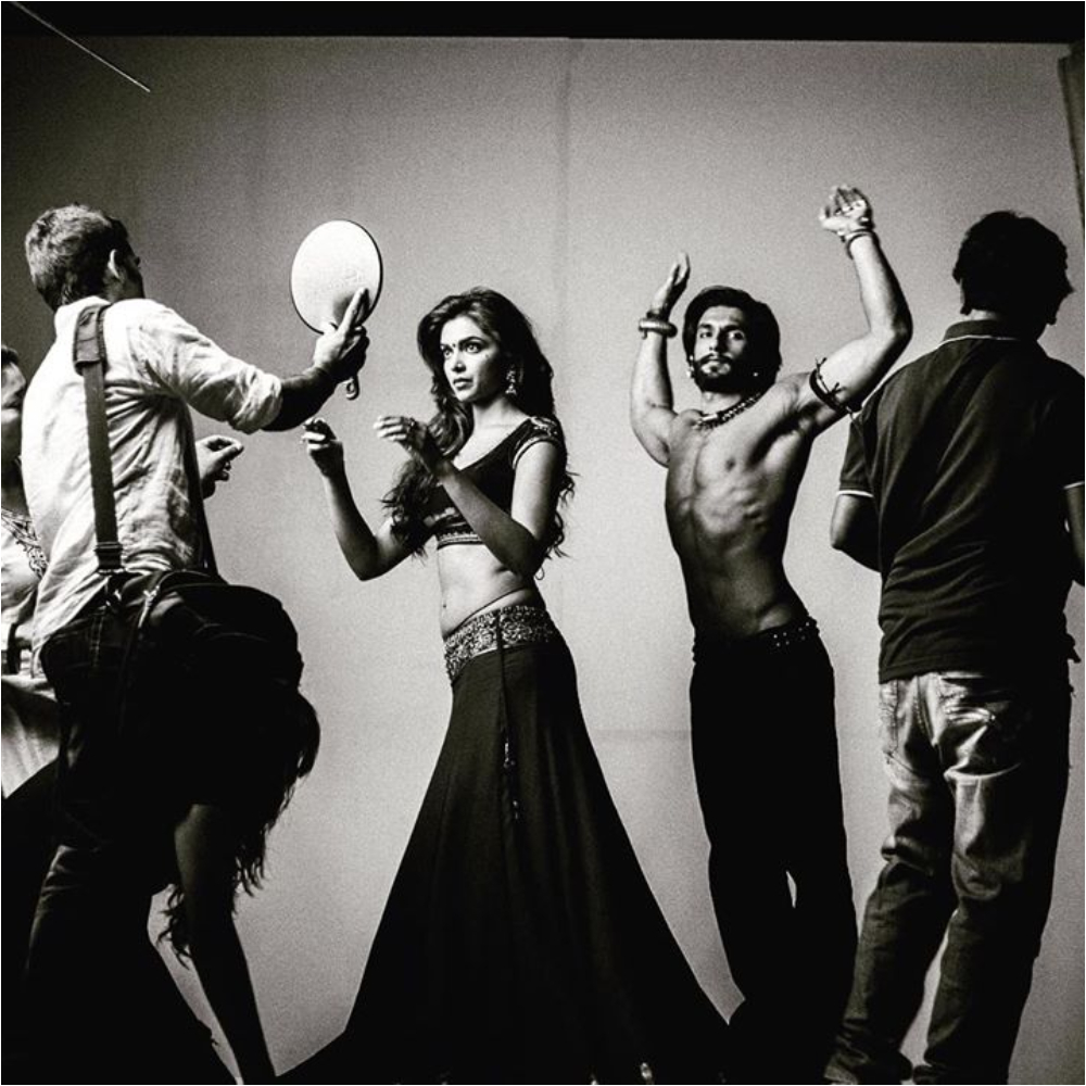 Deepika Padukone and Ranveer Singh stun in this BTS snap from Goliyon Ki Rasleela Ram Leela; Check it out