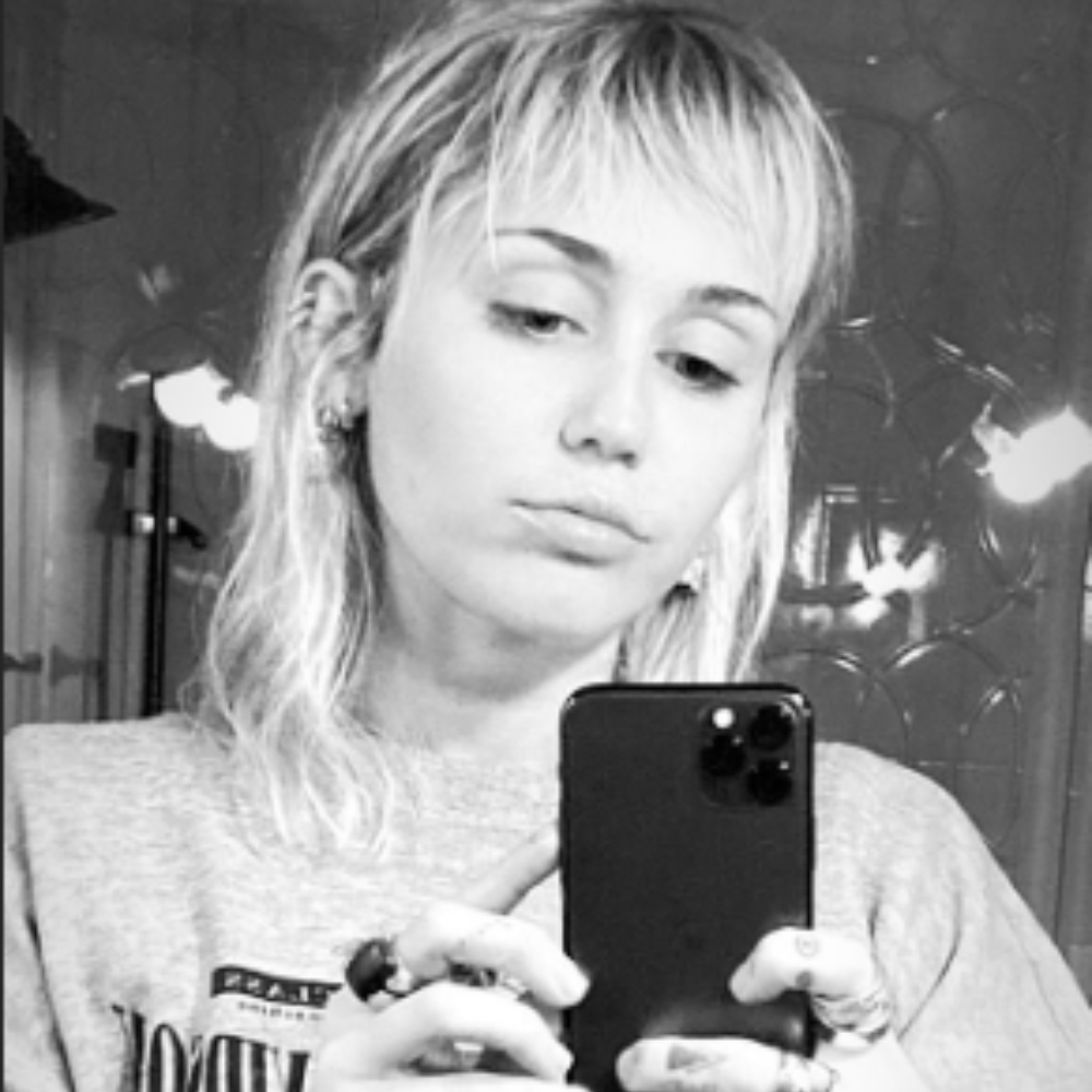 Miley Cyrus New Haircut Receives Backlash From Fans Hairstylist Comes To Her Defense Pinkvilla