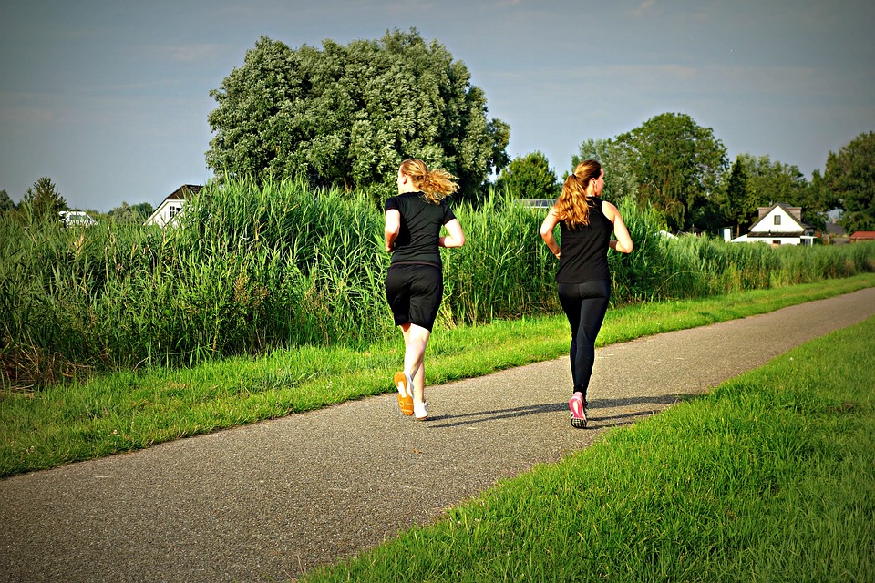 Motivate your friend to get healthier: HERE'S how you can become a workout buddy