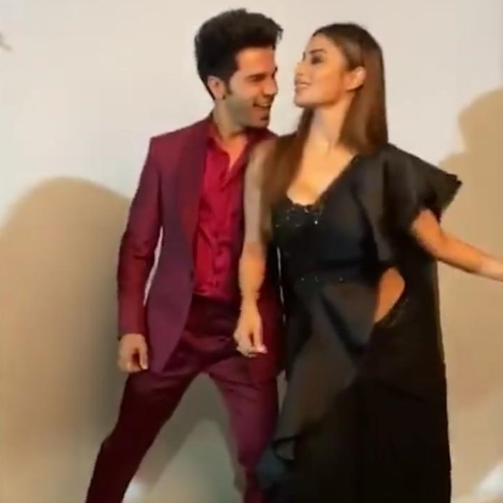 Made In China's Rajkummar Rao & Mouni dance to 90s' popular song Lal Dupatte Wali and it's unmissable; Watch