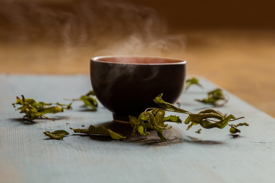 Want to shed some kilos? Here's how green tea helps with weight loss