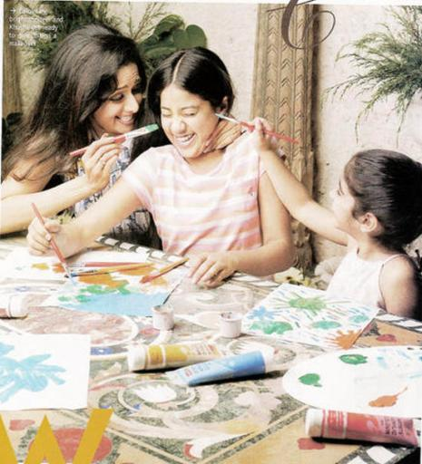 Sridevi with family