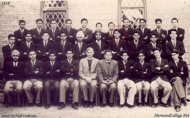 Amitabh bachchan in Nanital his college
