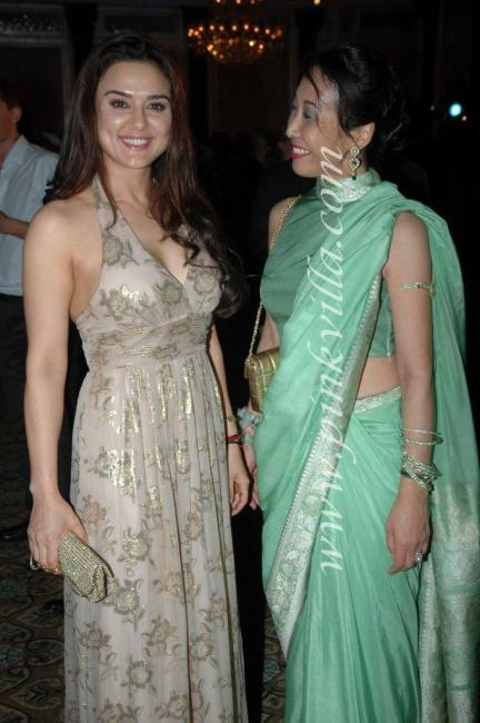 DSC 1030preview - Preity Zinta graces France Independence day celebr