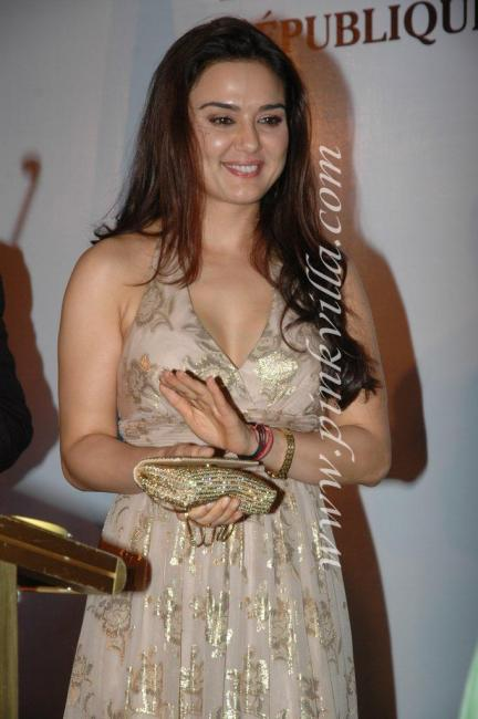 DSC 1039preview - Preity Zinta graces France Independence day celebr