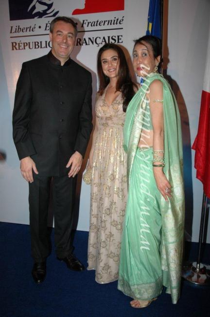 DSC 1051 0preview - Preity Zinta graces France Independence day celebr