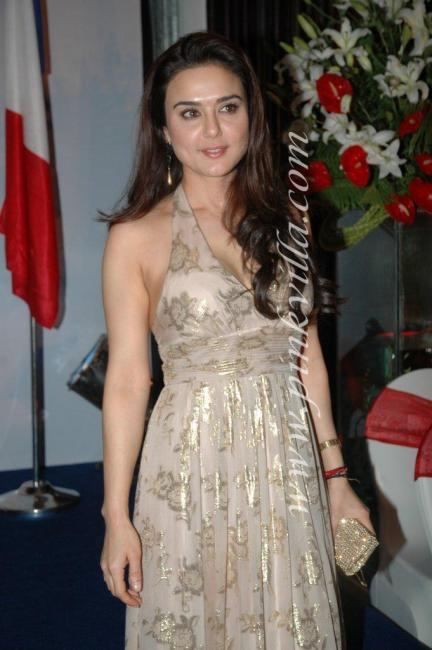 DSC 1069preview - Preity Zinta graces France Independence day celebr