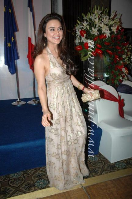DSC 1071preview - Preity Zinta graces France Independence day celebr