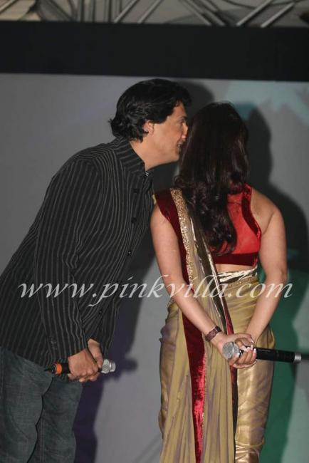 eijaz khan and sara khan - photo #26