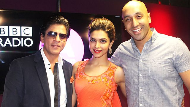 http://www.pinkvilla.com/files/images/SRK-DeepikaP-London8.jpg