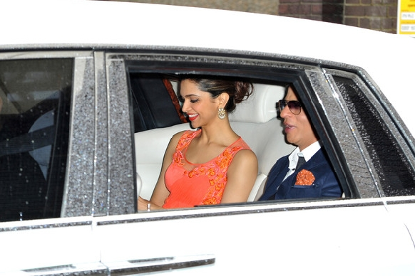 http://www.pinkvilla.com/files/images/SRK-DeepikaP-London9.jpg