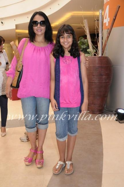 Suchitra with daughter