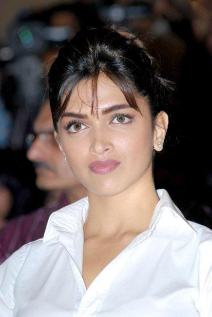 Bollywood starlets and their scary contact lenses   PINKVILLA