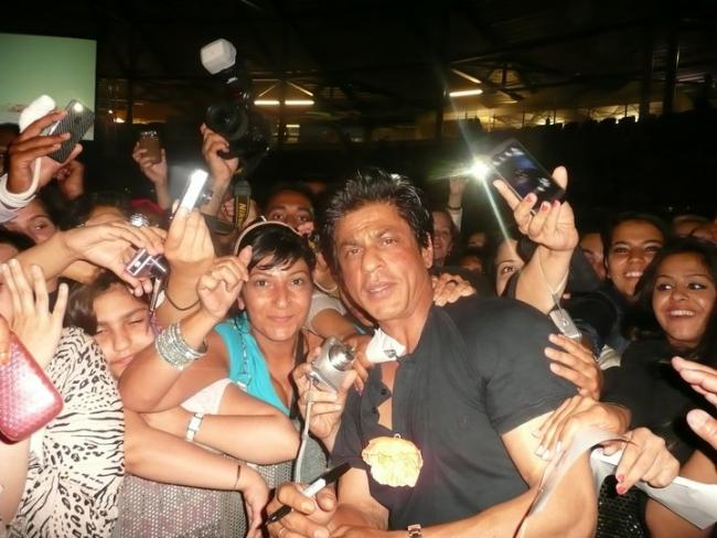 Shah Rukh Khan in Holland with his fans July 2011
