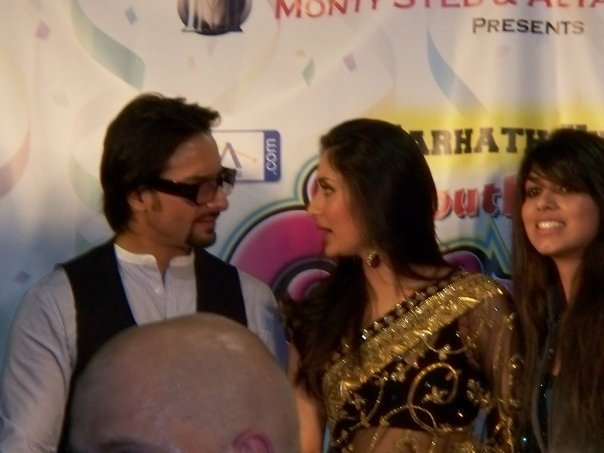 Kareena Kapoor & Saif Ali Khan at the South Asian Carnival - Chicago 89531