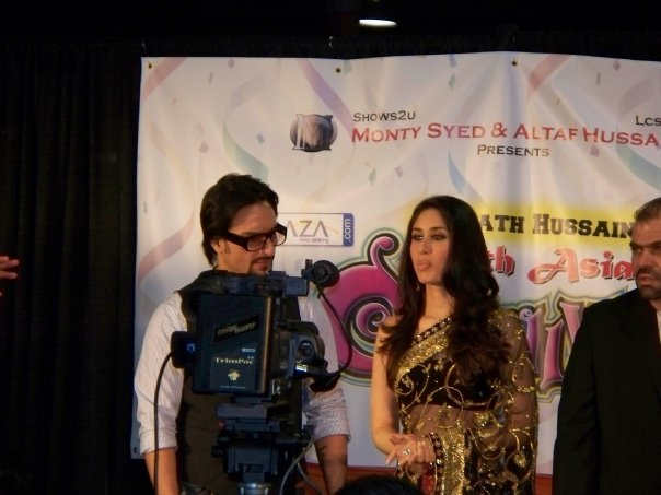 Kareena Kapoor & Saif Ali Khan at the South Asian Carnival - Chicago 89533