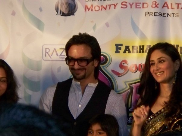 Kareena Kapoor & Saif Ali Khan at the South Asian Carnival - Chicago 89534