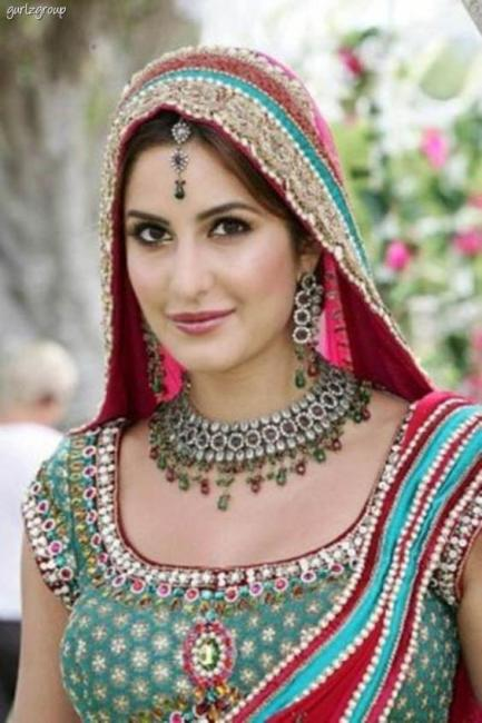 katrina kaif in dulhan dress