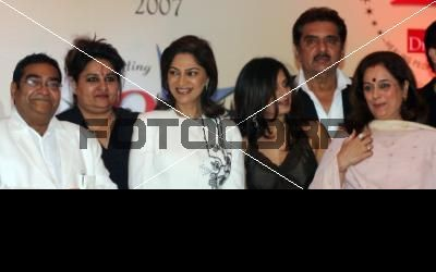 reena and poonam sinha in the same photo