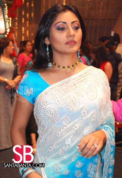Rimi Sen on the Sets of Horn OK Please | PINKVILLA