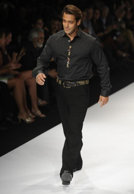 sanjana4preview - Salman & Sohail Khan Walk the Ramp for Sanjana Jon