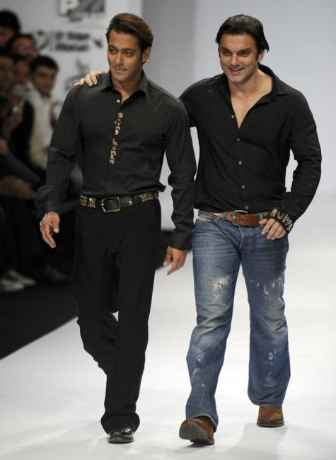 sanjana5preview - Salman & Sohail Khan Walk the Ramp for Sanjana Jon