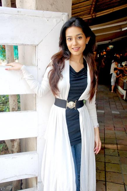 Amrita Rao meets media for Welcome to Sajjanpur 46927