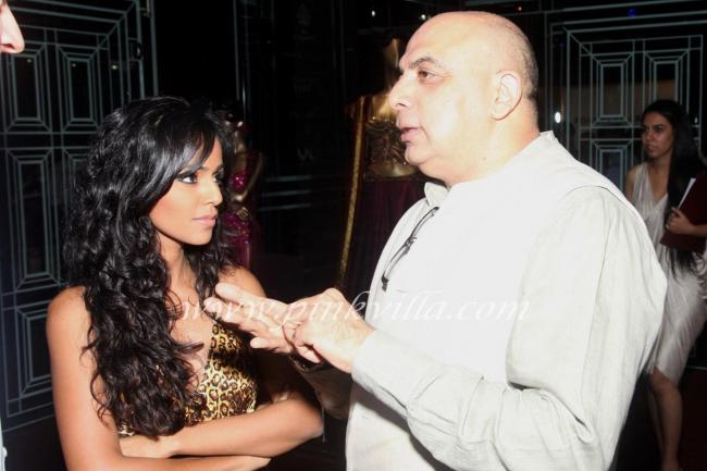 Nainika Karan with Tarun Tahiliani