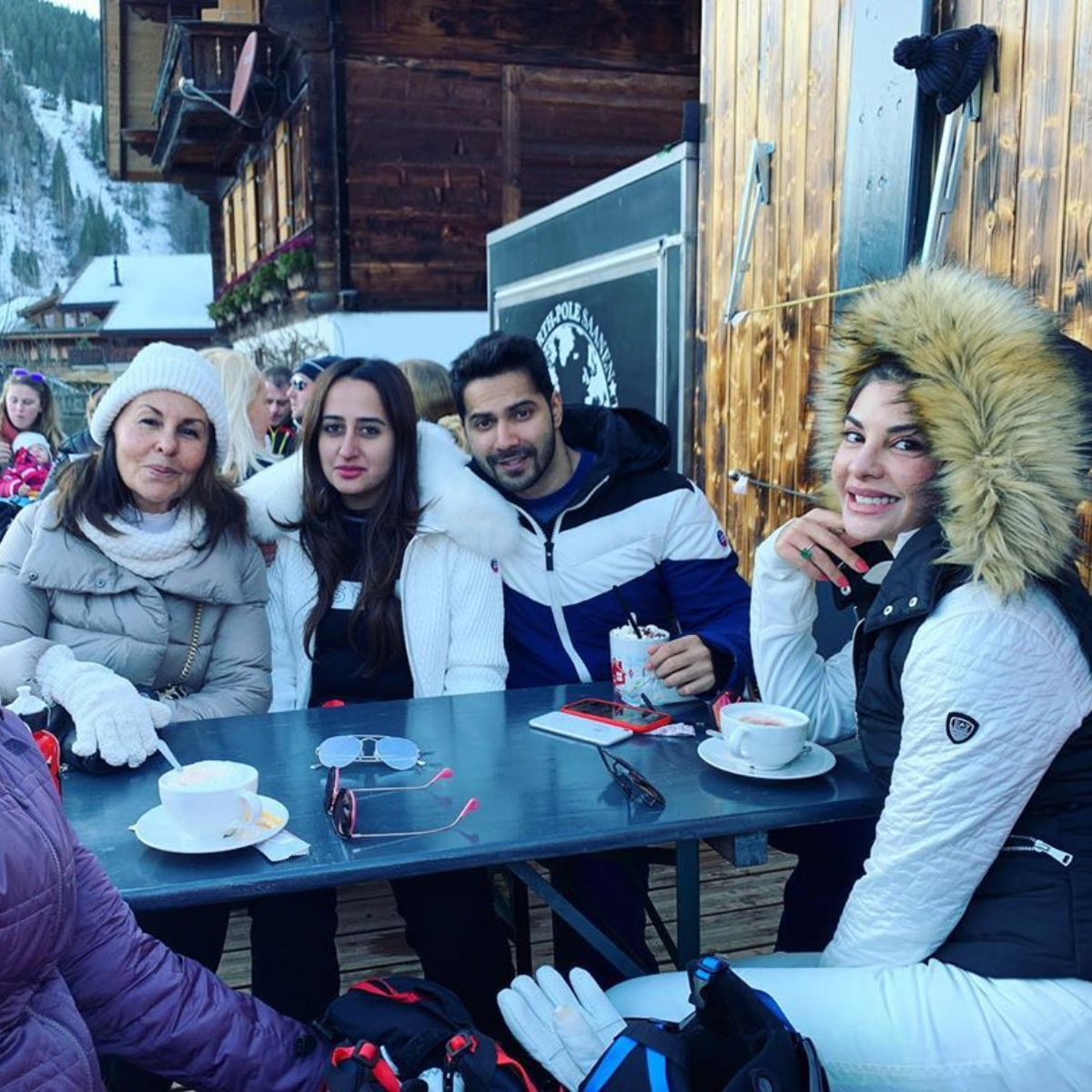 Varun Dhawan & Natasha Dalal are having a gala time with Jacqueline Fernandez over lunch; View Pic