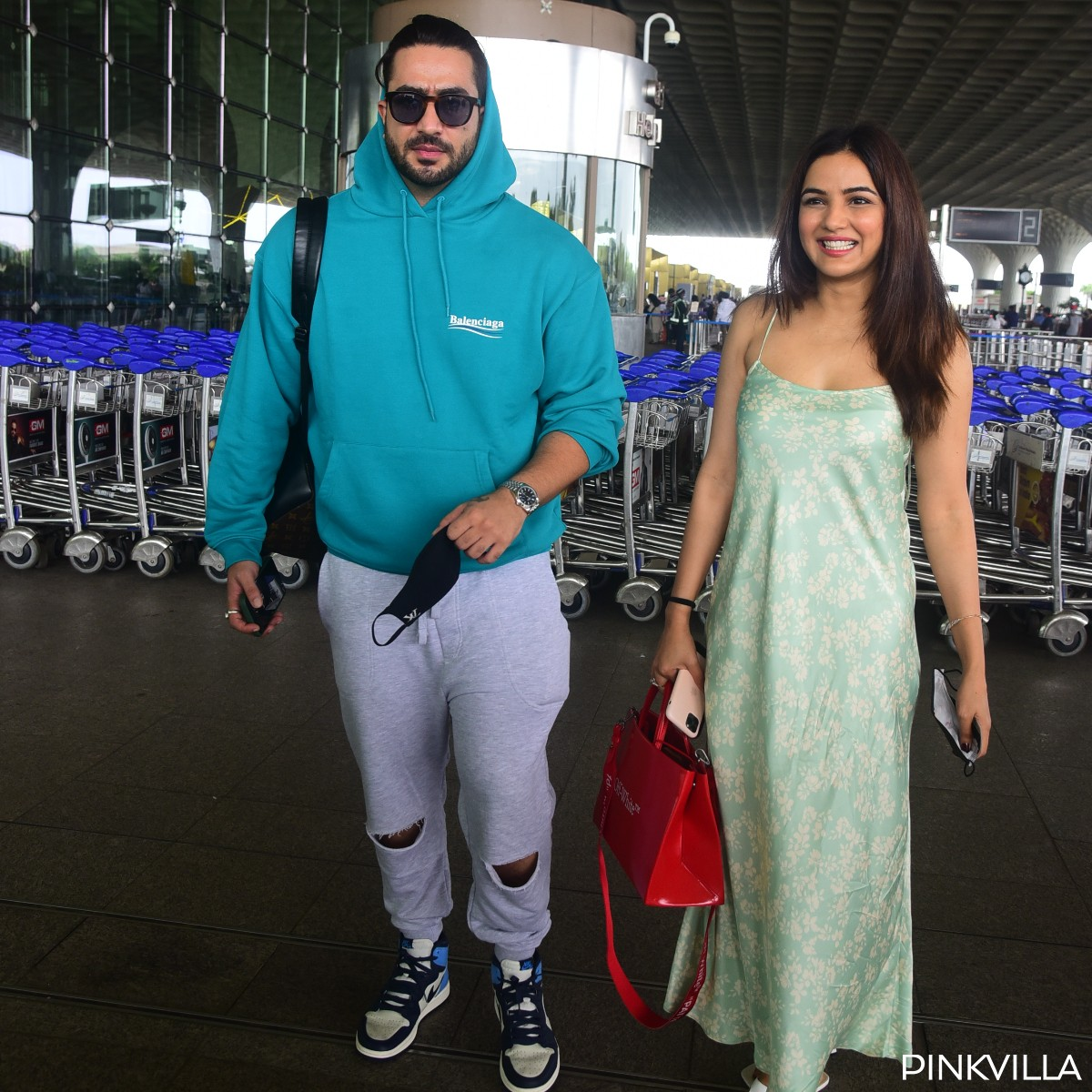 PHOTOS: Jasmin Bhasin & Aly Goni give couple airport fashion goals; Make for a stylish pair