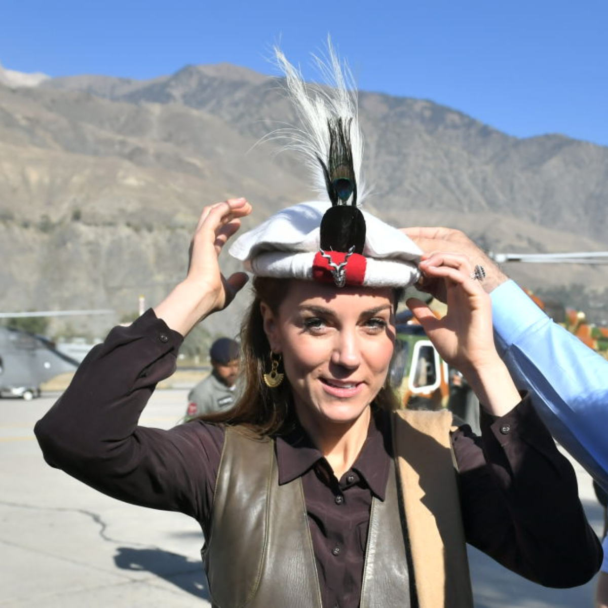 PHOTOS: Kate Middleton evokes memories of Princess Diana as she dons the traditional Chitrali hat in Pakistan