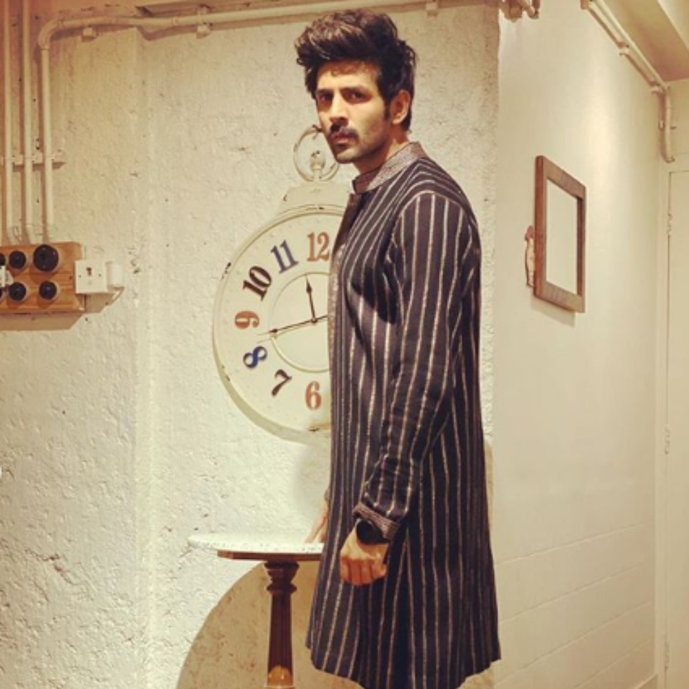 Kartik Aaryan looks dapper in a traditional avatar in THESE pics; check them out