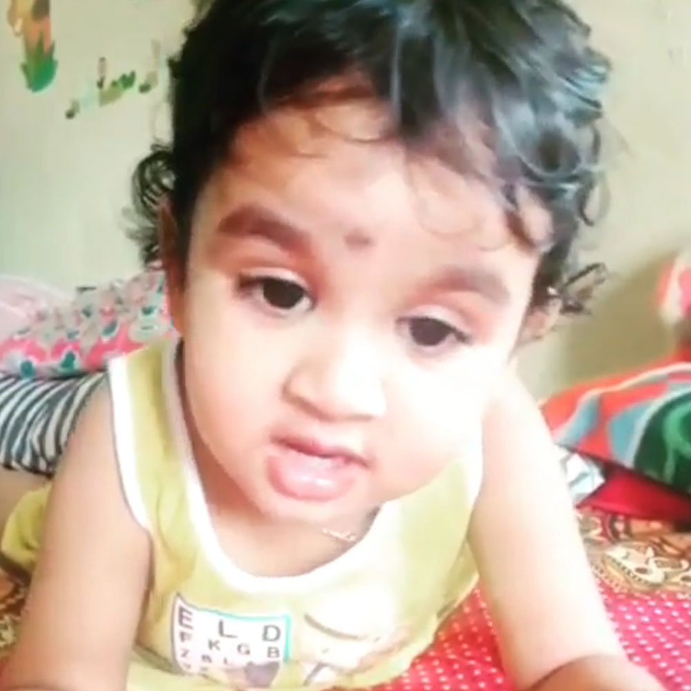 Toddler's version of Lata Mangeshkar's 'Lag Jaa Gale' is winning the internet; Watch Video