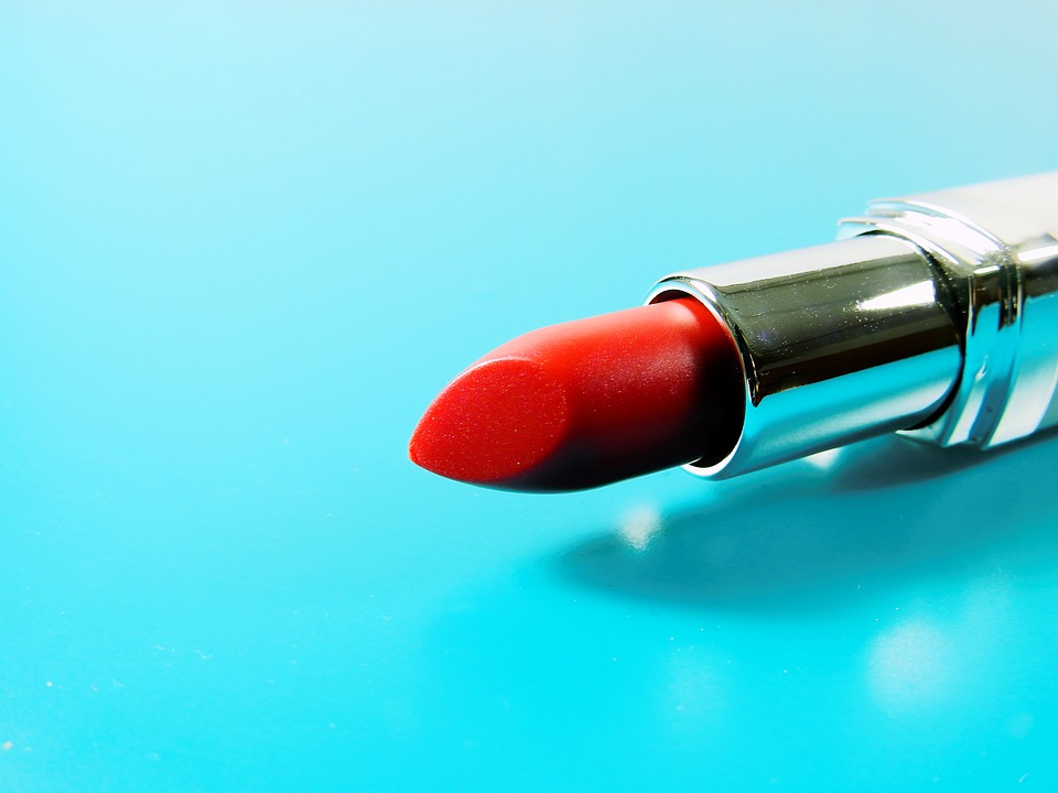 Beauty Tips: Avoid THESE lipstick mistakes that can make you look older