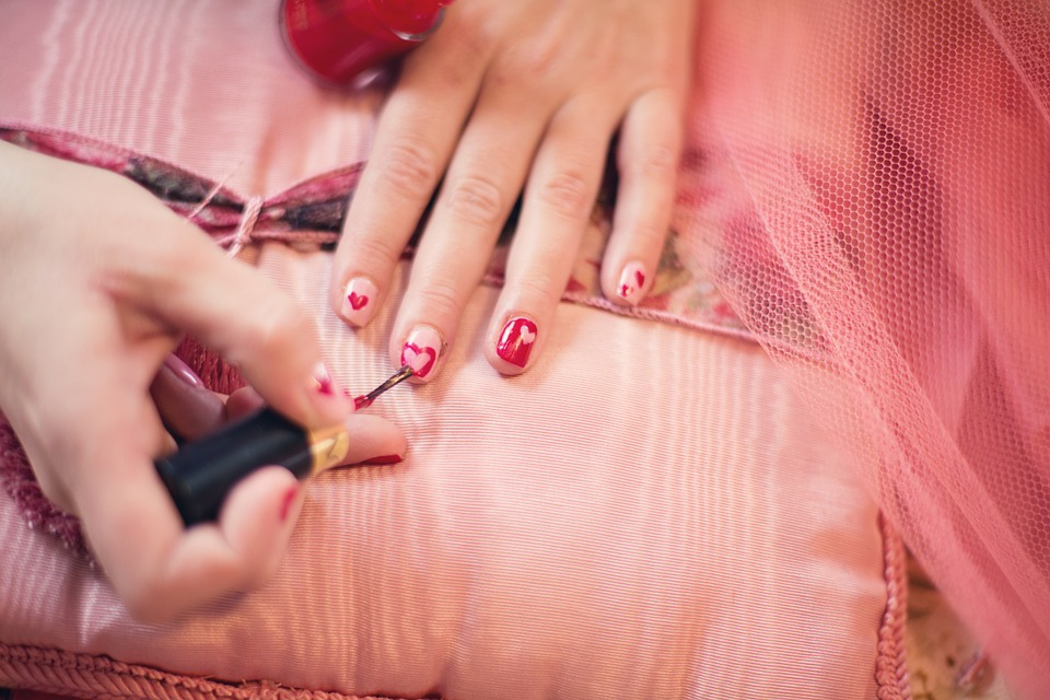 Tired of brittle nails? THESE are some easy ways to get strong and healthy nails