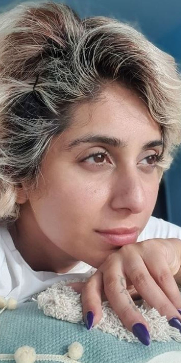 Neha Bhasin: PHOTOS of the singer opting for a no makeup look to show her natural beauty